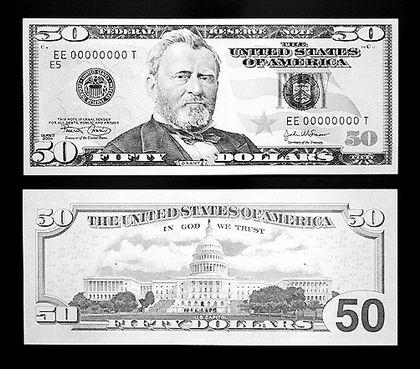 华盛顿的照片显示新版50美元面值纸币的正反两面图案
