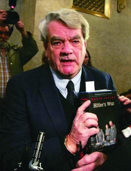 因否认大屠杀,英国历史学家获刑三年图片