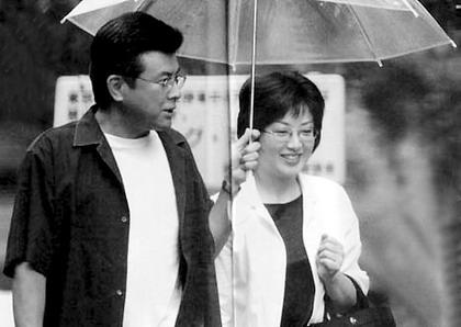 三浦友和与山口百惠的近照-山口百惠伉俪评为日 最佳夫妇图片