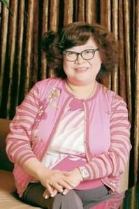 肥肥美女嫩骚逼_2008年2月19日早上8时38分,在香港玛丽医院,被大家称为肥肥的著名艺人