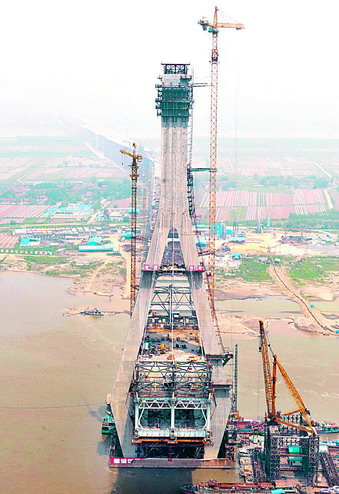 建设中的武汉天兴洲长江大桥