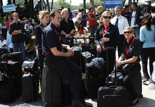 泰国启用乌塔堡机场疏散滞留旅客(图)