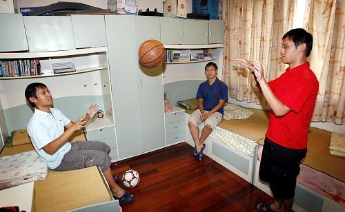 三胞胎同时考进上海交大