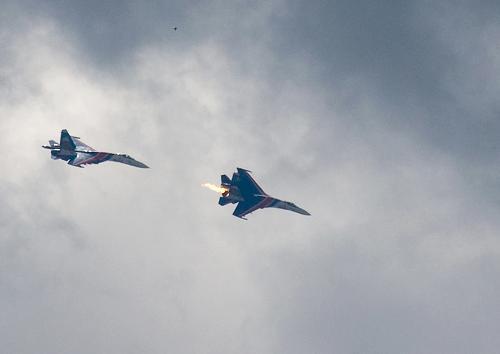 俄罗斯飞行表演飞机相撞(图)