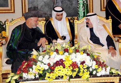 阿卜杜拉/2月3日,沙特阿拉伯国王阿卜杜拉(右)在首都利雅得会见到访的...