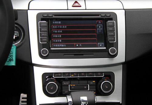方正造型的中控台表现出大众车保守的一面,按键位置合理,各旋钮图片